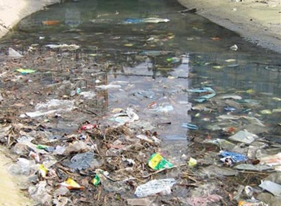 water pollution in singapore
